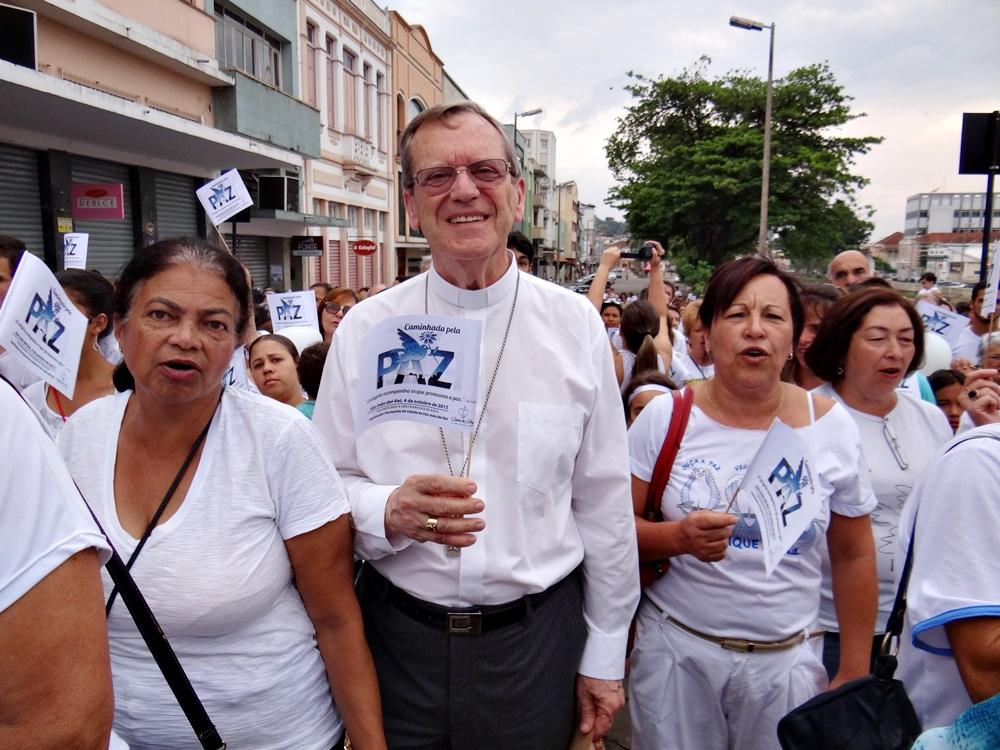 dom_celio_caminhada_paz